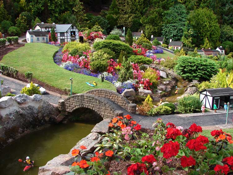 award winning gardens in torquay